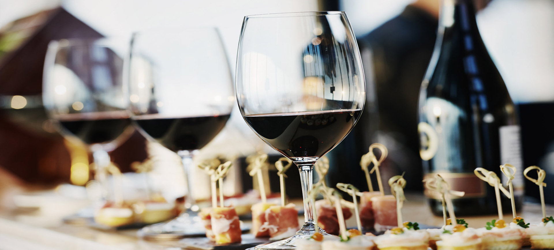 Wine and dine in luxury at The Colony Club, Mayfair