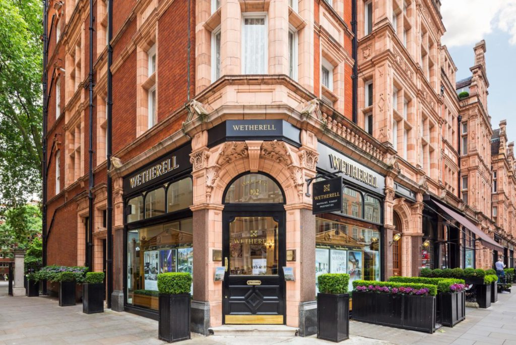 Mayfair corner